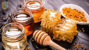 honey_benefits_raw_organic_natural_remedies_1565268495_613x344.22821350763_3_0